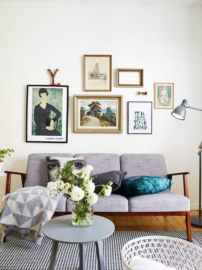 1-gallery-wall-emma-hos