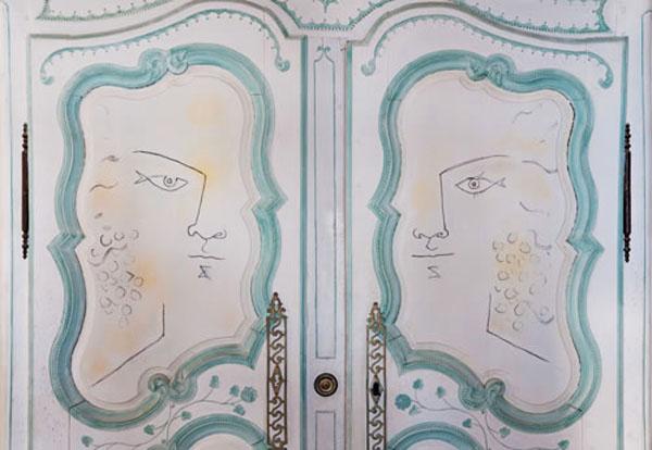 Jean-Cocteau-Villa-Santo-Sospir-armoire-cl