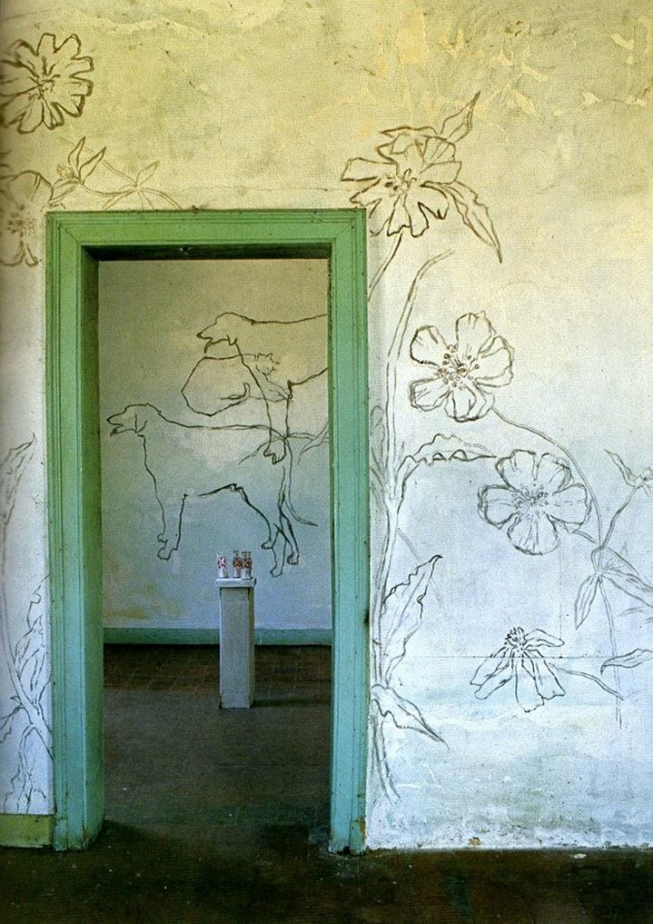 Jean-Cocteau-Villa-Santo-Sospir-entrance-way-724x1024